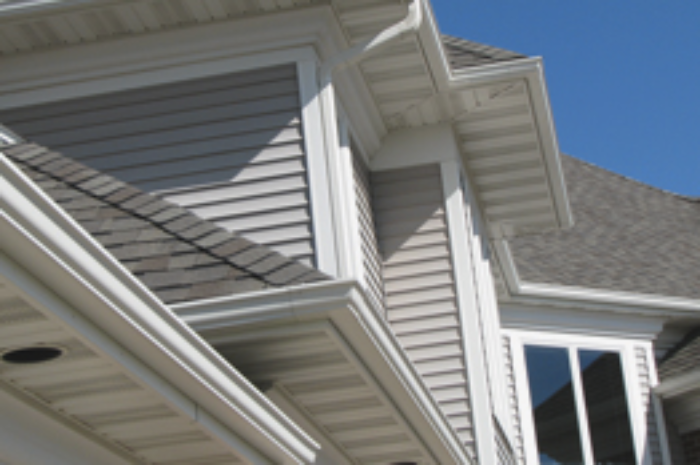 3 Reasons to Switch to Heavy Gauge Aluminum Gutters | Rollex