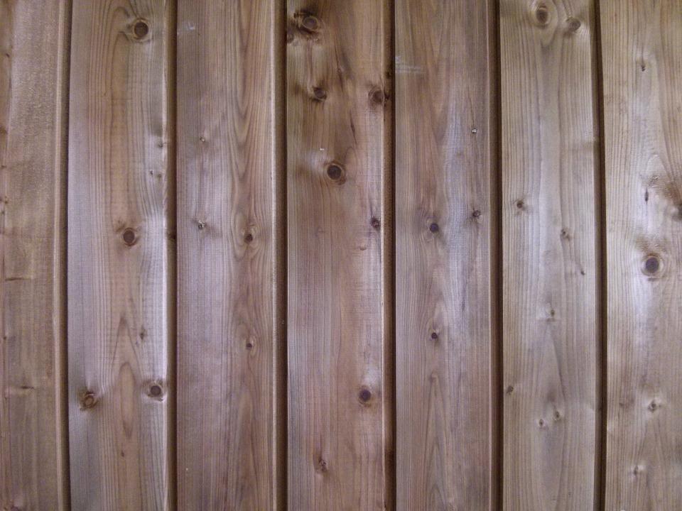 Vinyl vs. Wood: Choosing Long-Lasting House Siding Material
