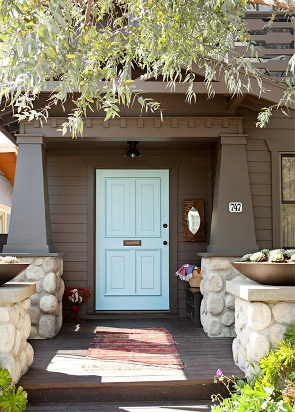 How to Harmonize Your Front Door with Your Home's Exterior
